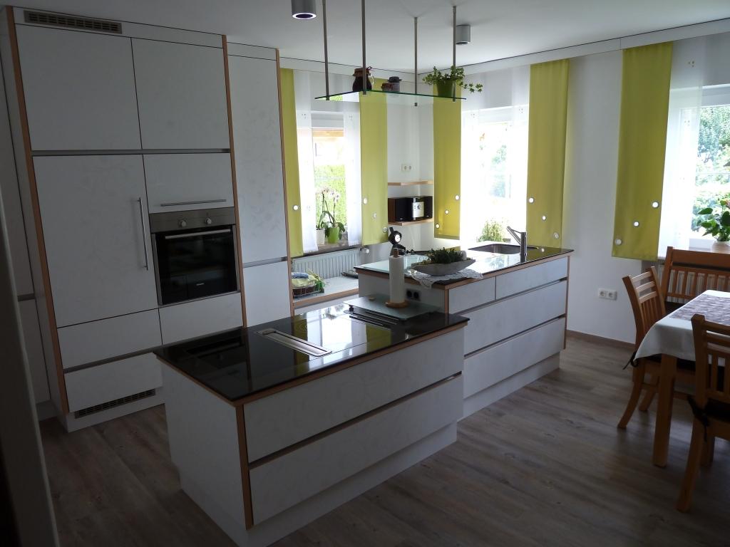 Schreinerküche mit Koch- und Spülinsel | {Schreinerküche 10}